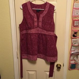 3/$20 Pink Sleeveless cotton blouse; ties in back